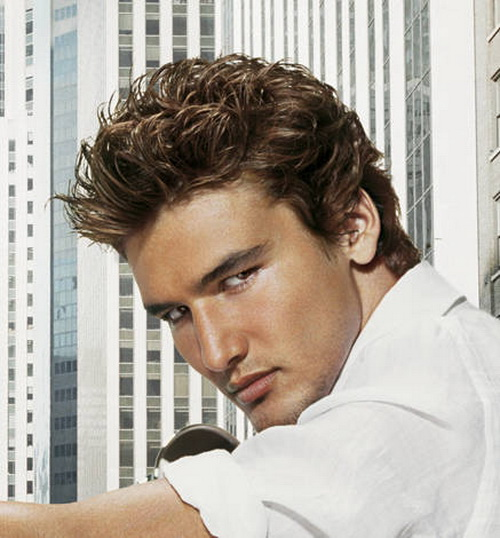 Short Mens Wavy Hairstyle Wavy Hairstyles for Men