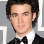 Curly-Hairstyles-For-Men3